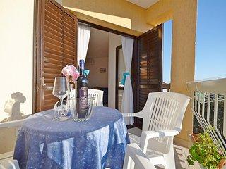 Apartments Mira - 28191-A2, Tribunj