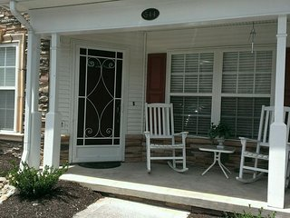 Apple Blossom Getaway-Near Apple Barn-Near Tanger Outlets, Sevierville