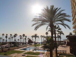 Se alquila precioso apartamento frente a la playa, en la costa del sol