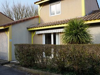 Villas Du Lac 22 - Quality 2 Bed Villa with Water Sports, South West France.