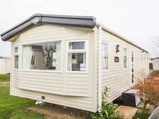 Ref 70609 Cherry tree, 2 Bed, 6 Berth. Double glazed and central heated.