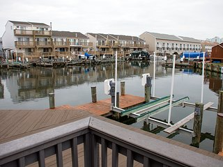 Gullway Townhouses 2854 - Waterfront Near N. End of Boardwalk!