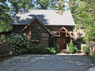 Wildflower Luxury Log Cabin - Hot-Tub - Nature - Hiking Trails, Franklin