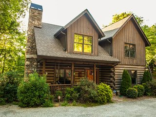 Wildflower Cabin 3 - Rustic Elegance - Cabin in the Woods!!!