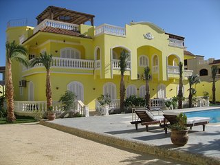 Villa with a private pool and botanical garden