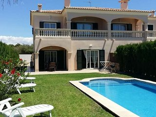 Spacious villa with private pool near golf and beach in Puig de Ros