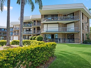 Great location near Bongaree waterfront - 5/15 Toorbul Street