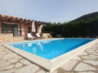 1BR house with private pool, Vasiliki