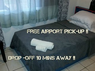 FREE pick up and  drop off at  SJO airport 10 mins  away
