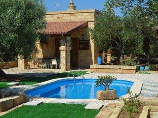 Casale Marchesi...vivere tra gli ulivi immersi nei profumi della campagna