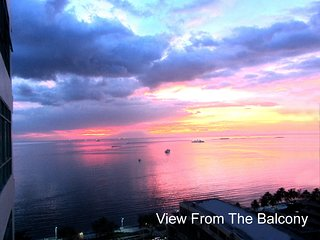 Baywatch Tower - Luxury Studio Suite Condo - Excellent view to Manila Bay