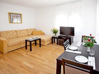 Apartments Maja - 47431-A1, Okrug Donji