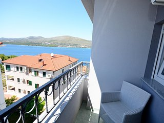 Apartments Maja - 47431-A9, Okrug Donji