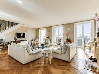 Champs Elysées - Magic View Penthouse