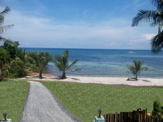 Beachfront Apartment Near Alona, Panglao + Scooters