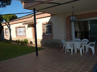 House with pool -1km from the beach, El Puerto de Santa Maria