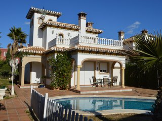 Villa by the Beach - Playa Flamenca