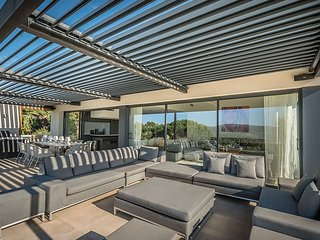 Stylish well located 4 BR Villa with pool, Villefranche-sur-Mer