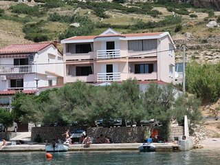Apartments Metajna 5 for 2 persons