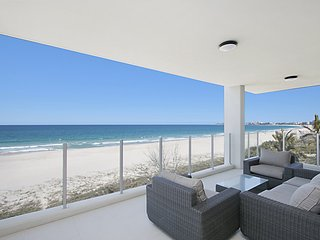 Azure 4 - Absolute Beachfront