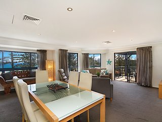 Calypso Plaza Penthouse - Coolangatta Beachfront