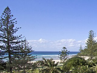 Calypso Plaza 419 - Coolangatta Beachfront!