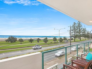 Toorak Court 8 - Beachfront Kirra, Bilinga