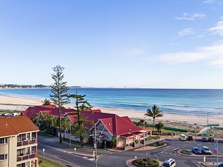 Kirra Gardens 25 - Kirra Point Beachfront
