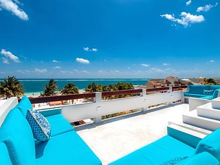 Spectacular ocean views from 3 floors of wide verandas