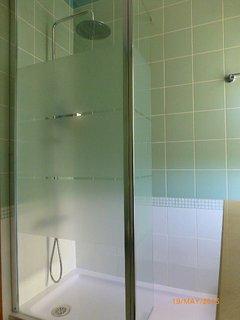 En-suite walk in shower