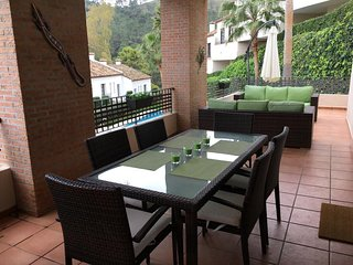 Fabulous 2 Bedroom In El Casar Benahavis with BBQ, Indoor Pool & Gym R:134
