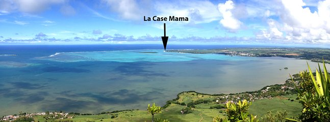 La case Mama is on the edge of one of the biggest lagoons in Mauritius