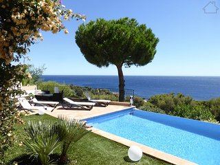 Bemabe 210999 villa with panoramic sea view, heated pool, aico in all bedrooms, Les Issambres