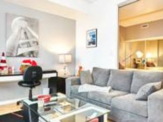 Fully Furnished Luxury Suite in  Downtown Toronto CN Tower Rogers Center ACC