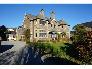 Stunning Nantyfelin with 3 bedroom apartment overlooking sea, and Harlech  and  Criccieth castles
