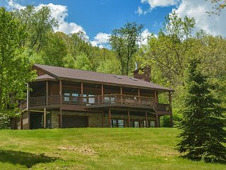 Lake area home 2 miles from Wisp Resort!