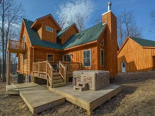 Brand New Log Home Near 2 Golf Courses, McHenry