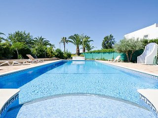 3 bed villa with Pool, WiFi, BBQ, near Gale