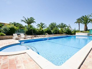 3 bed villa with Pool, WiFi, BBQ, near Galé