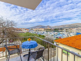 Apartments and Rooms Iva - 47621-A11, Trogir