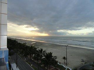 Apartamento frente para praia, Praia Grande