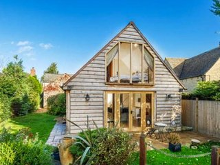 Lovely Garden Annex with Breathtaking Views, Long Hanborough
