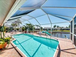 Villa Sweet Dreams - NEW LISTING - 10 minutes to River!, Cape Coral