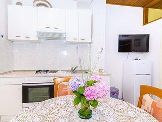 Apartments Marinko - 37171-A5, Makarska