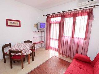 Cute family apartment, Podgora