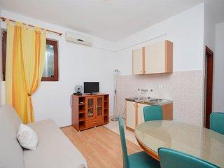 Apartments Ivana - 13441-A2, Starigrad-Paklenica