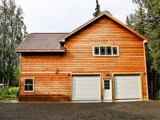 3 Bedroom Private Fishing Dock on Famous Kenai River