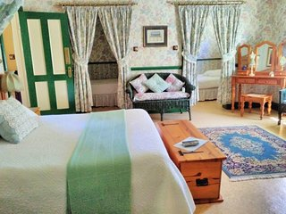 A Pilgrim's Rest Guesthouse Room no 4 - Family Room, Graskop