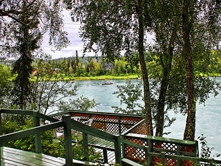 3 Bedroom Private Fishing Dock on Famous Kenai River!!!