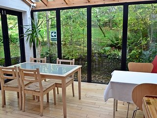 Shelley Guest House (Self Contained House) - Sauna - Sleeps 10 - Dog Friendly